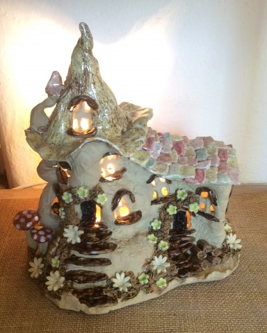 Fairy house lamp with sloped roof