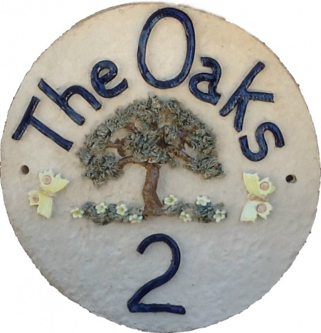 Large Round with Oak Tree